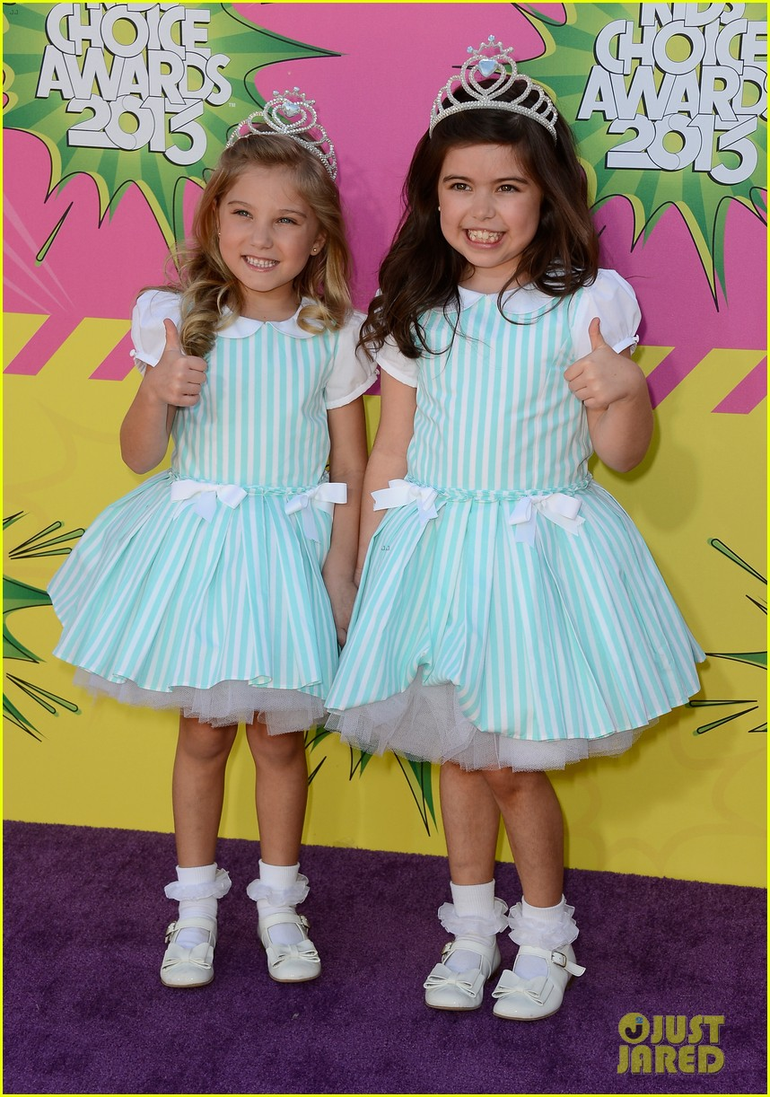 sophia grace rosie kids choice awards 2013 red carpet 01