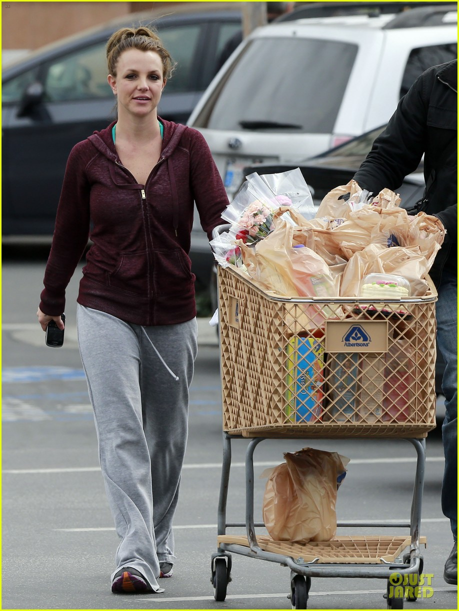 britney spears flowering grocery stop 03
