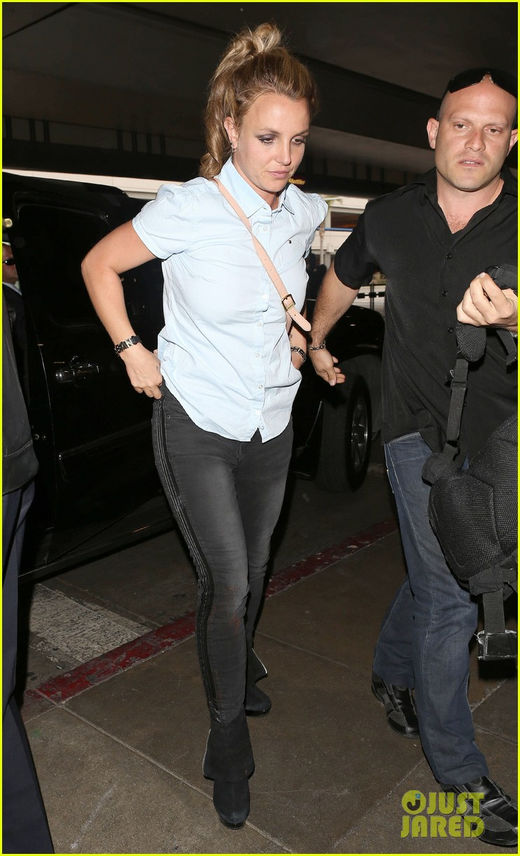 britney spears jets to new orleans with the boys 03