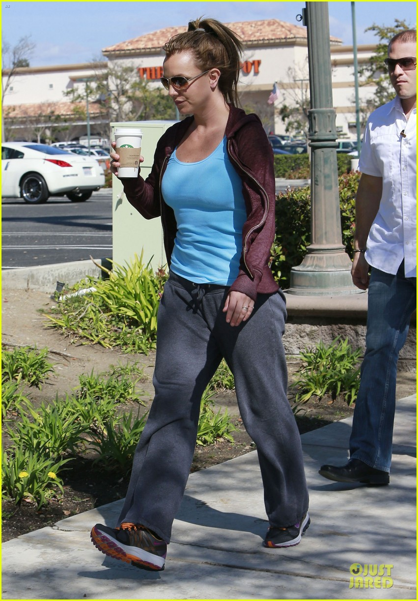 britney spears painting shopping gal 21