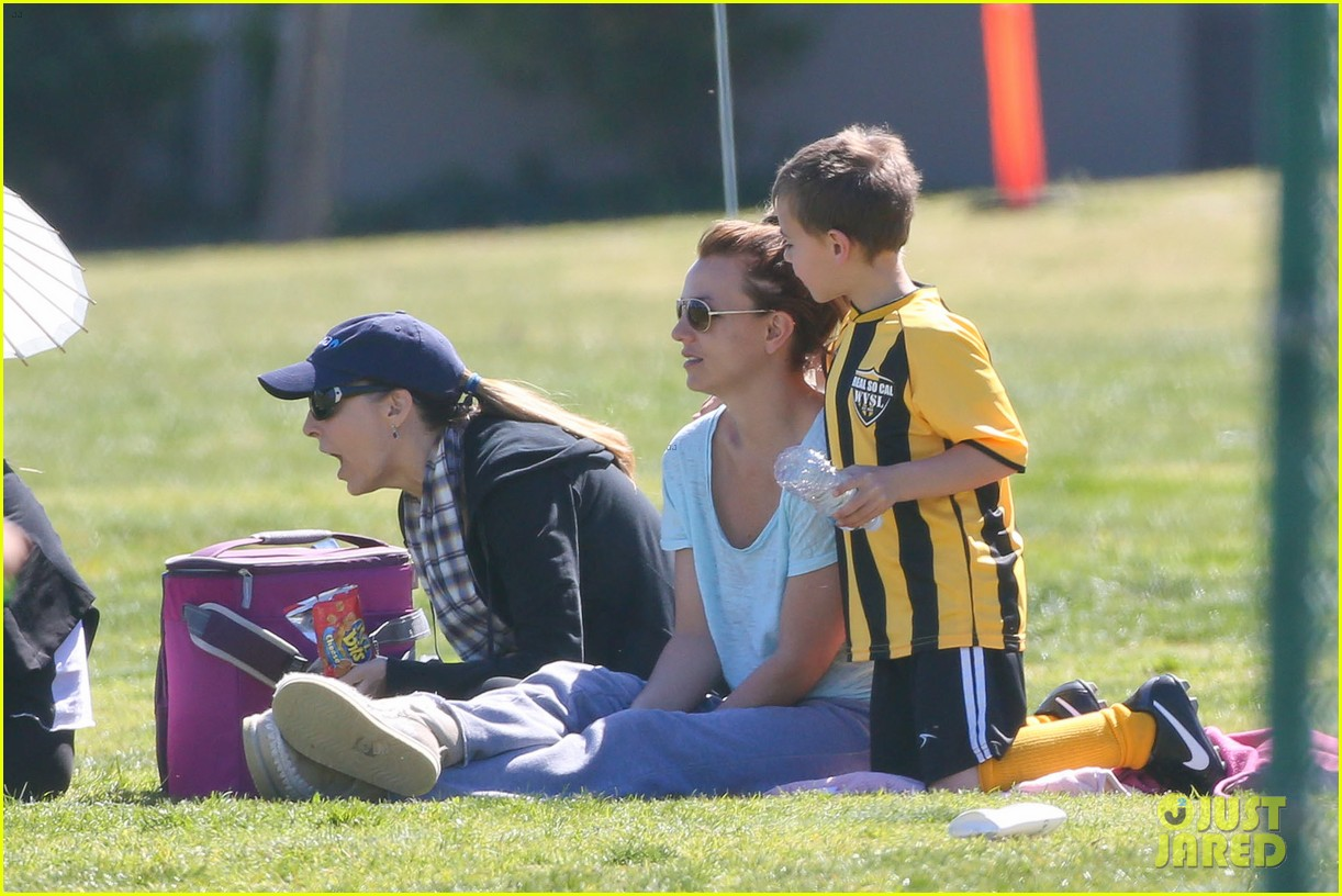 britney spears sunday soccer mom 18