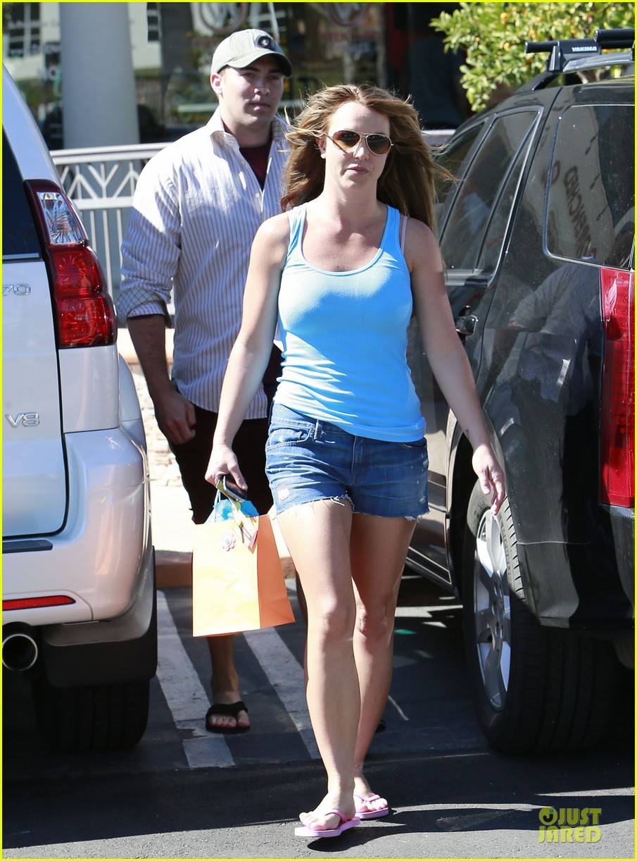 britney spears tanning with david lucado 20