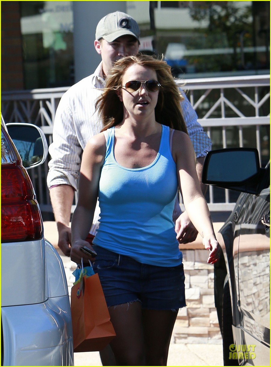 britney spears tanning with david lucado 22