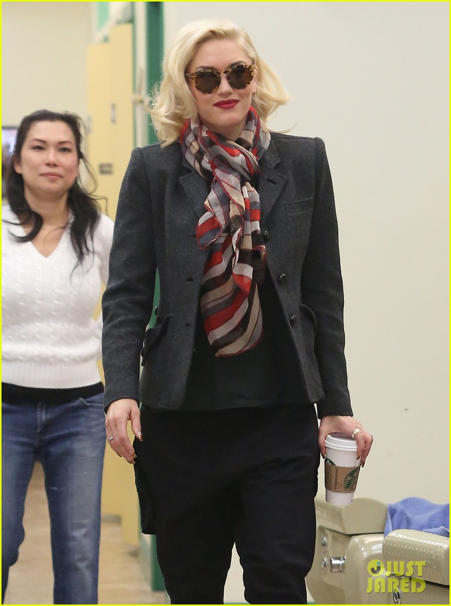 gwen stefani nail salon stop 26