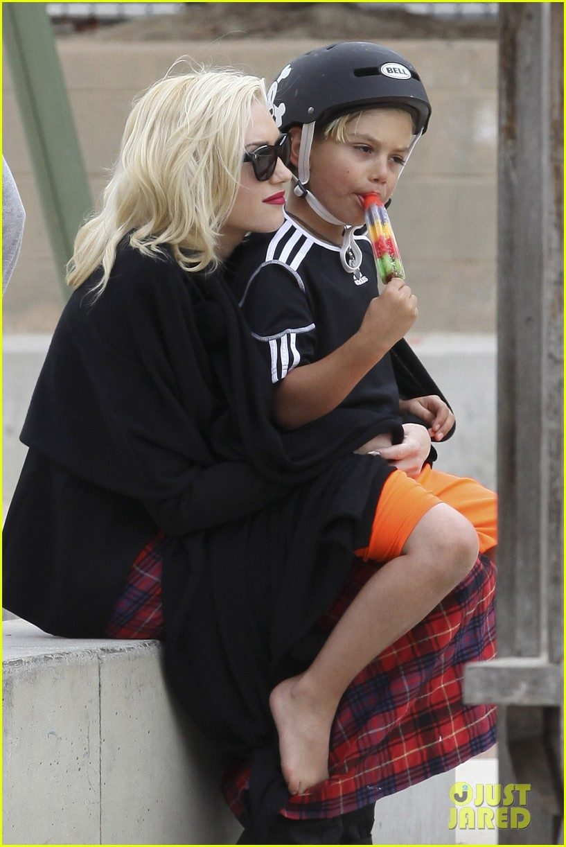 gwen stefani gavin rossdale park day with the boys 02