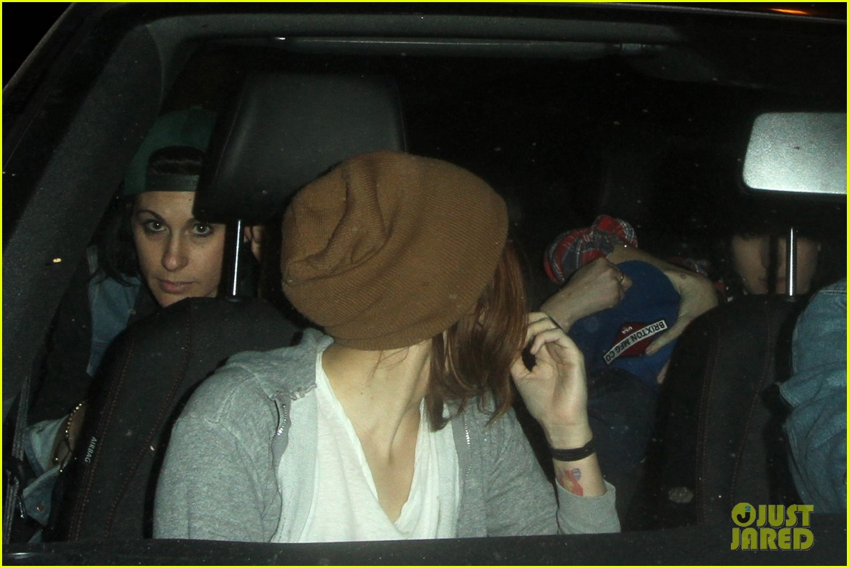kristen stewart hotel cafe with tamra natisin 04