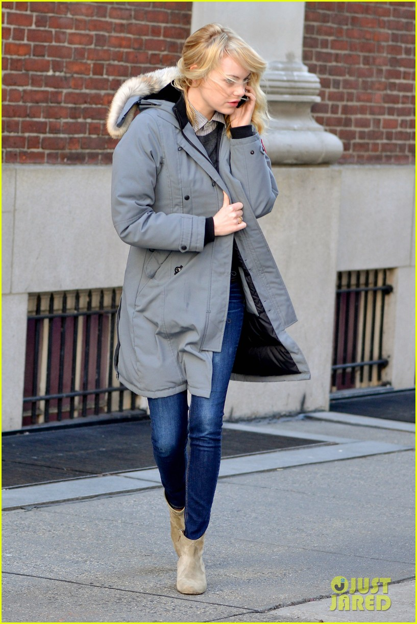 emma stone andrew garfield bundle up in canada goose 03