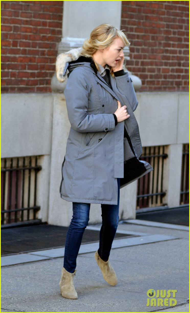emma stone andrew garfield bundle up in canada goose 10