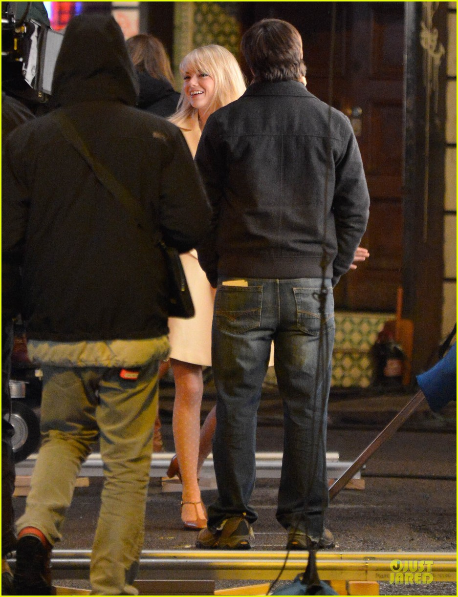 emma stone andrew garfield scene stealing couple on amazing spiderman 2 set 14