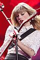 taylor swift drive by with train at newark concert video 02