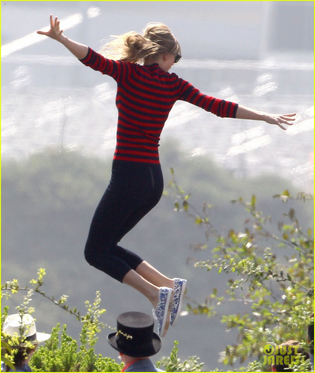 taylor swift trampoline jumper at photo shoot 11