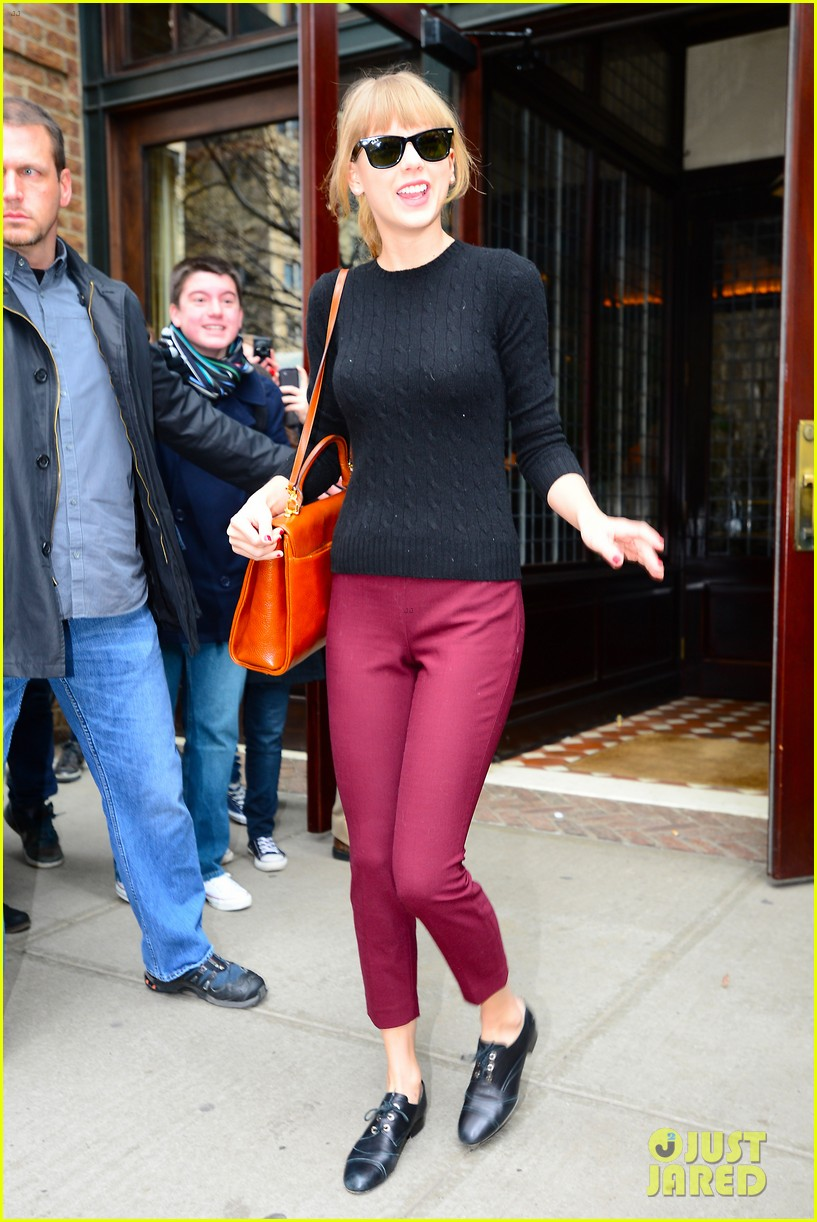 taylor swift paints the town red in new york city 182838728