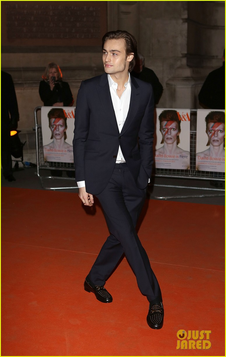 tilda swinton douglas booth david bowie exhibit 142834648