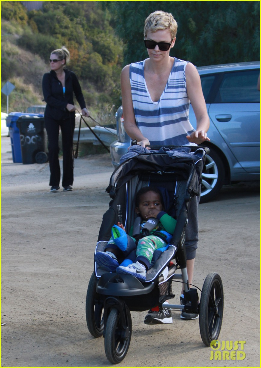 charlize theron runyon canyon hike with jackson 102831169