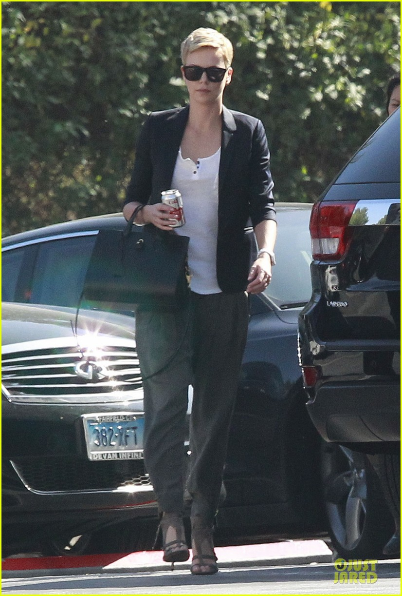 charlize theron disney studios meeting 052831338
