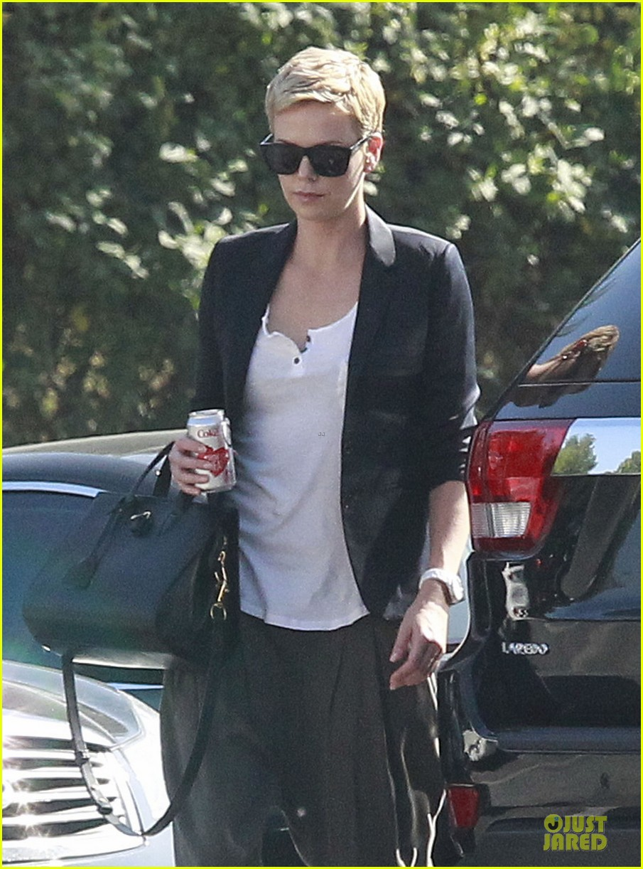 charlize theron disney studios meeting 082831341