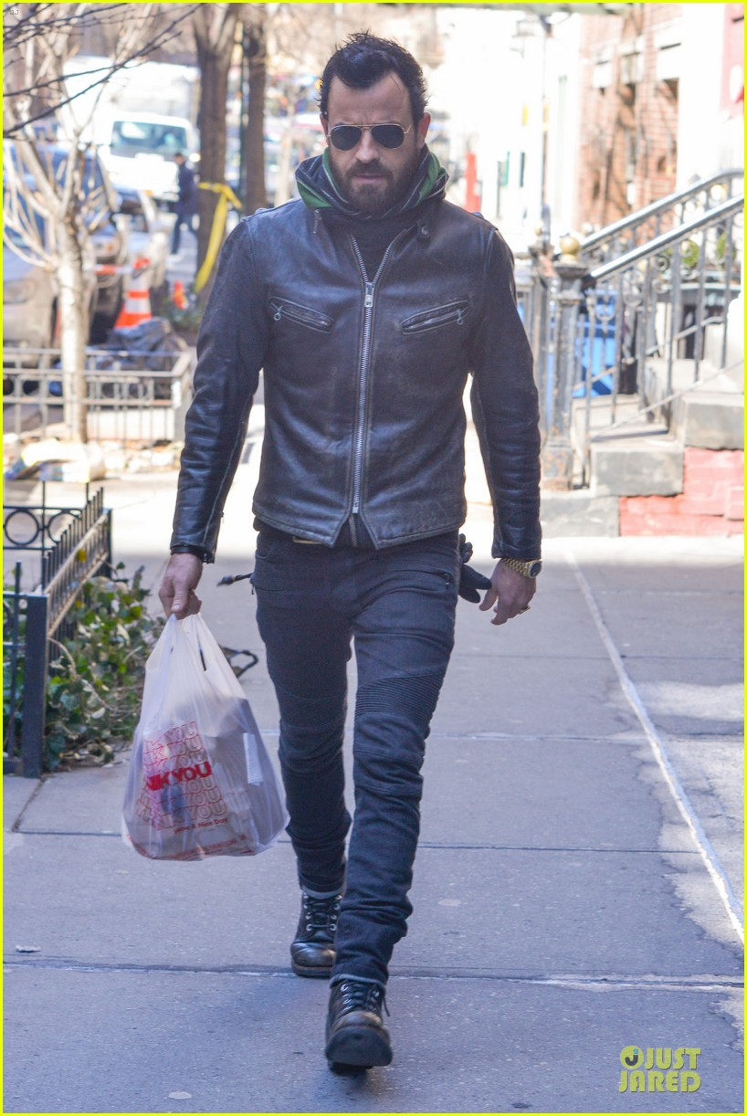 justin theroux is great guy raves chelsea handler 06