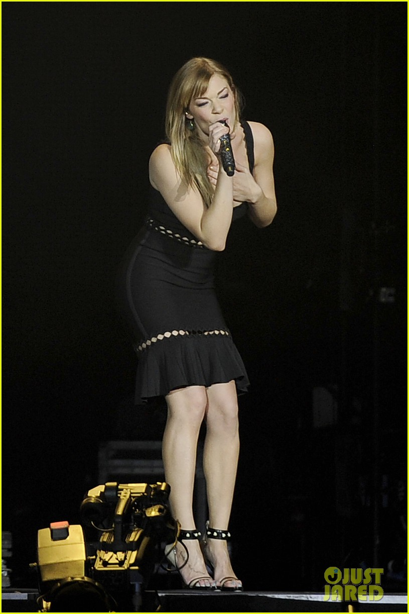 carrie underwood leann rimes country 2 country festival 01