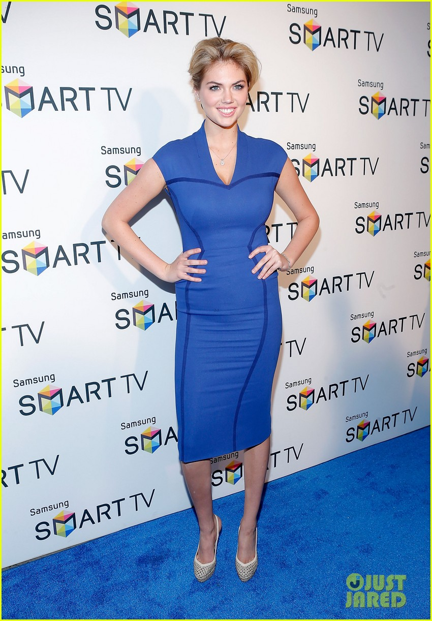 kate upton samsung spring 2013 launch party 03