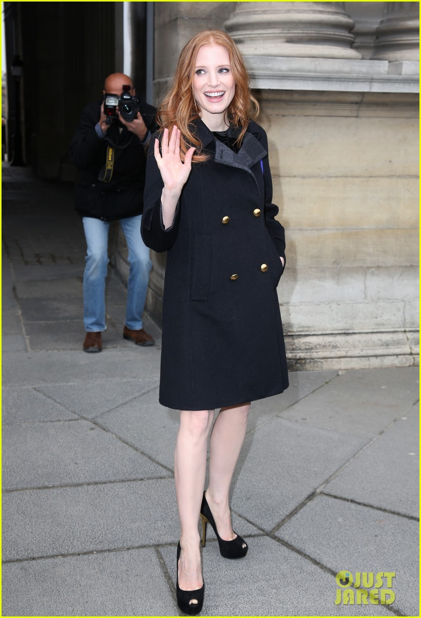 naomi watts jessica chastain louis vuitton fashion show 14