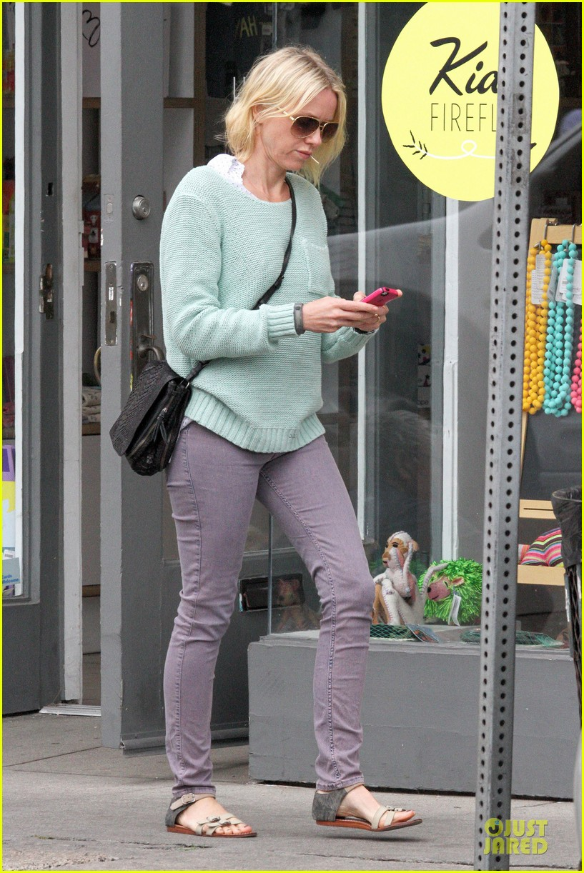 naomi watts neighboring visit with the boys 12