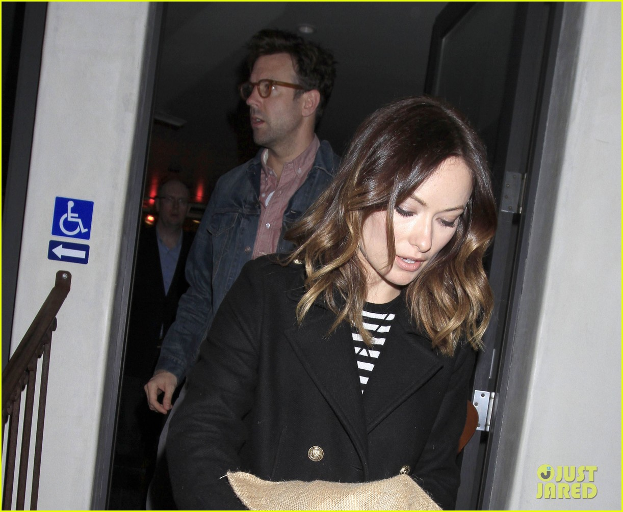 olivia wilde jason sudeikis so in love during dinner date 02