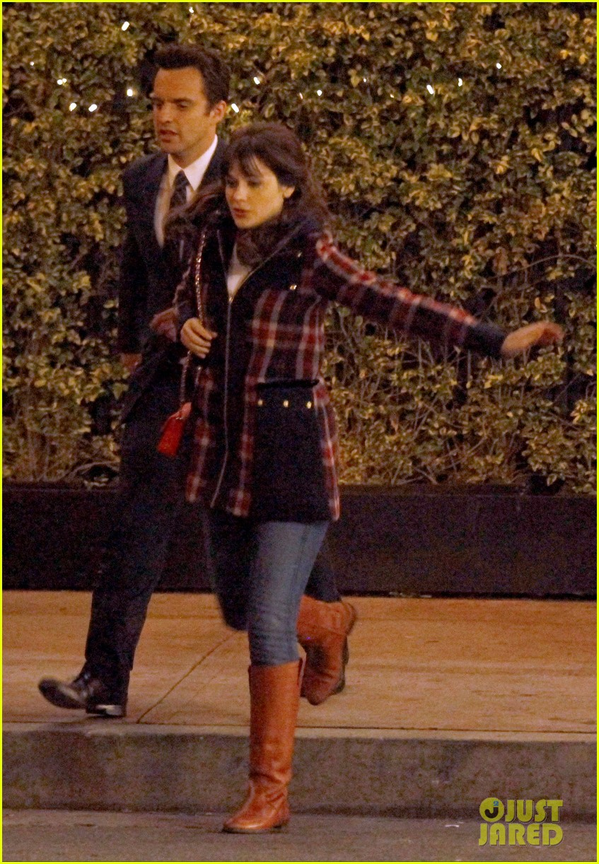 zooey deschanel beso new girl filming 16
