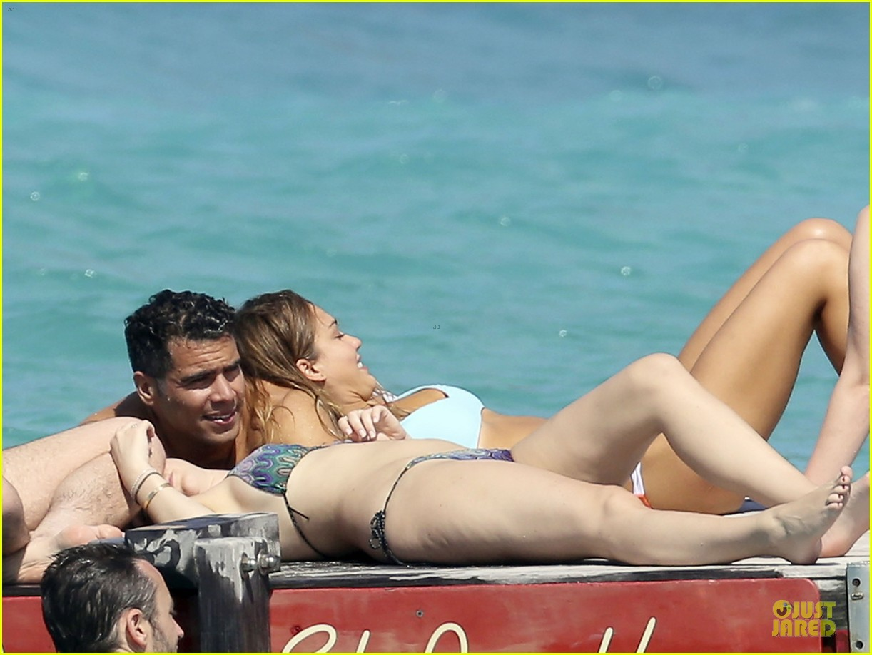 jessica alba st barts bikini babe with shirtless cash warren 262844145