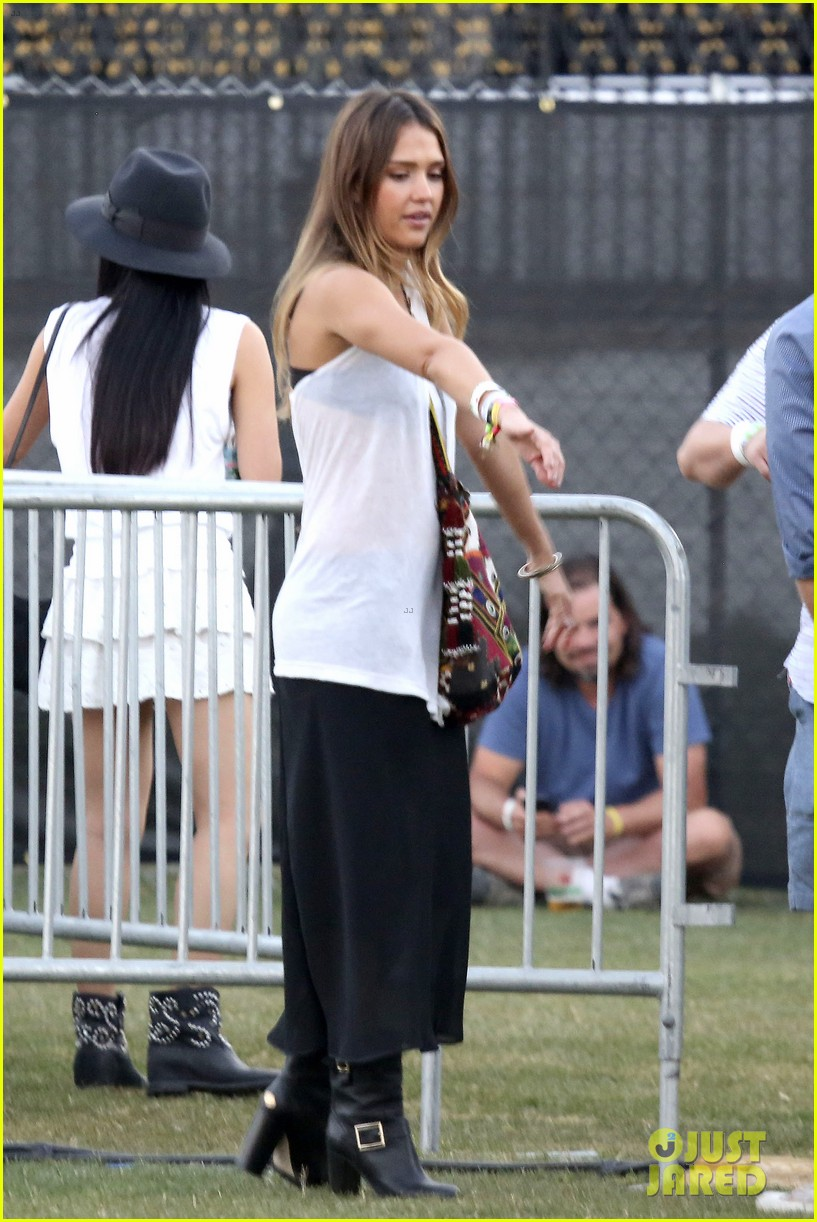 jessica alba cash warren coachella couple 19