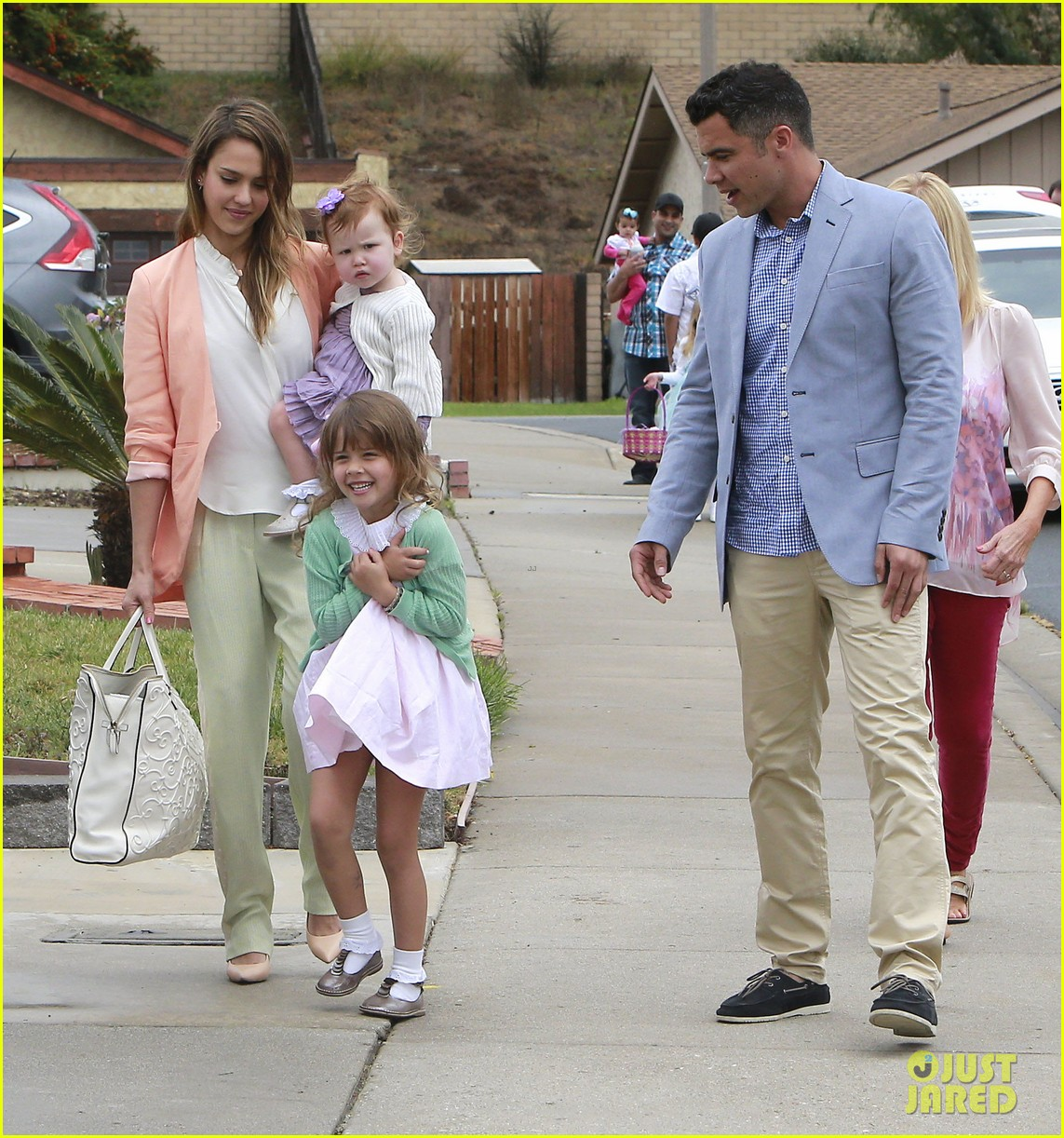 jessica alba cash warren pastels on easter sunday 112841257