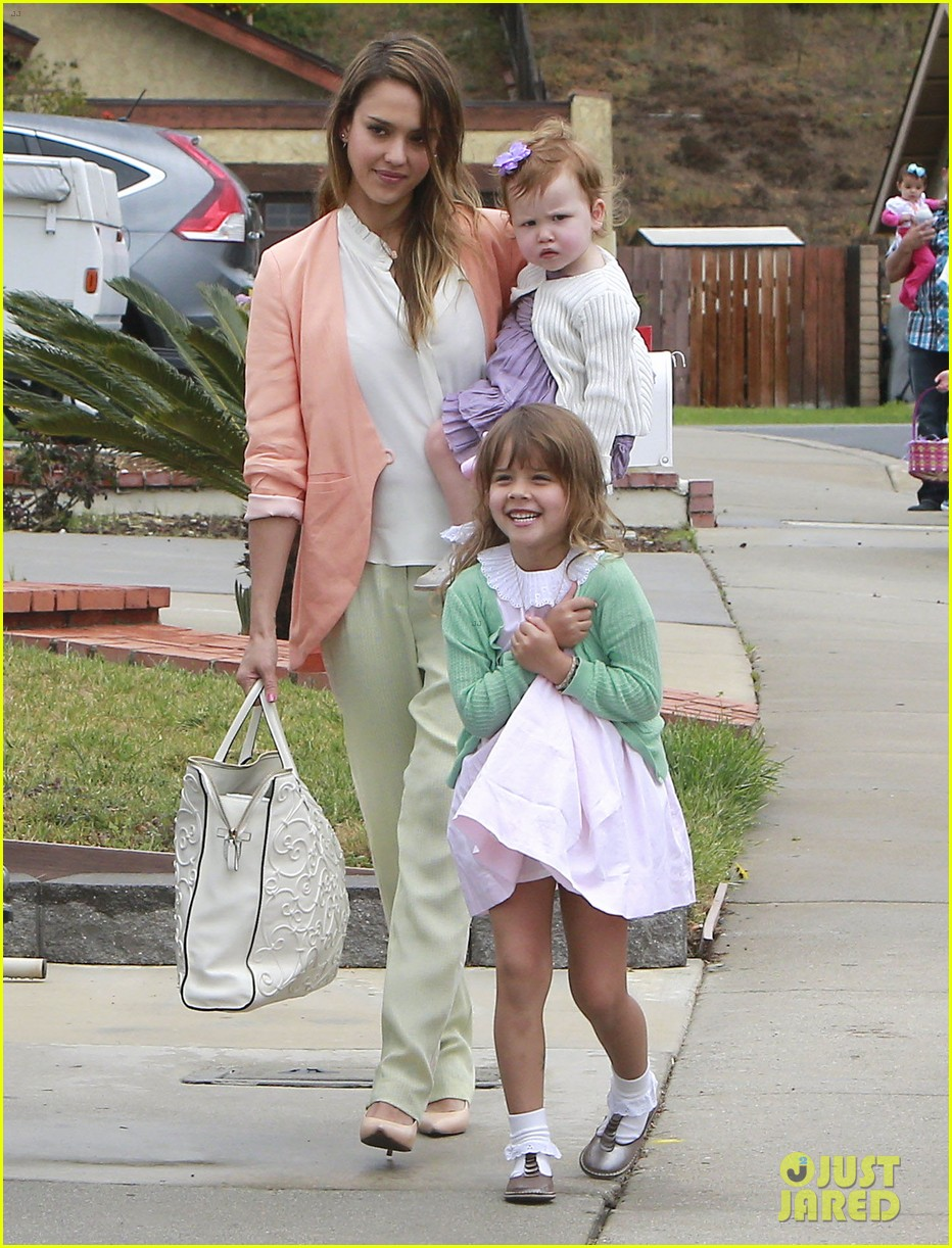 jessica alba cash warren pastels on easter sunday 12