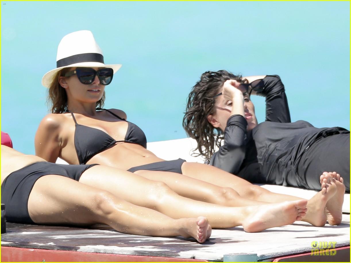 jessica alba nicole richie bikini clad gal pals 04