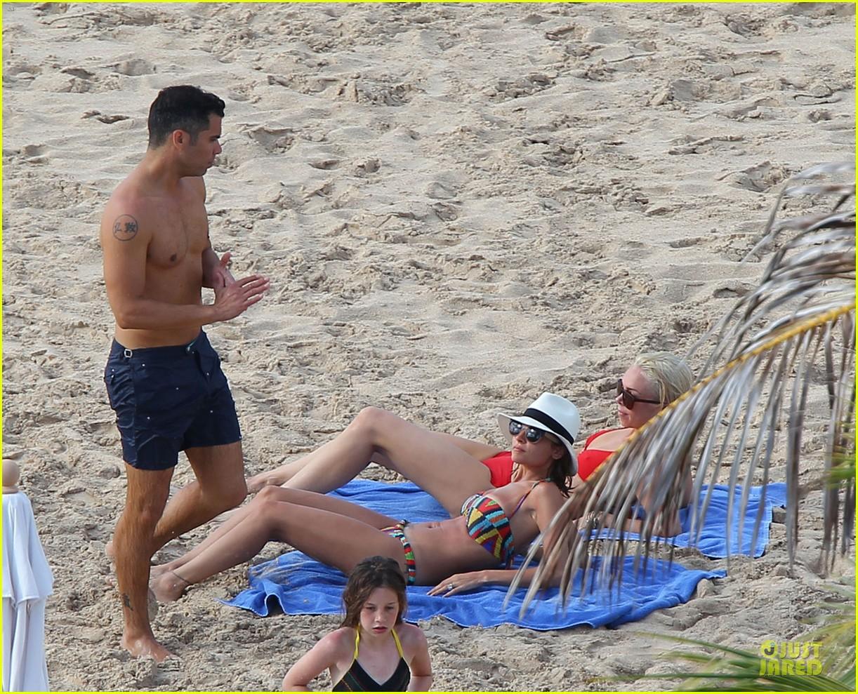 jessica alba nicole richie bikini clad gal pals 15