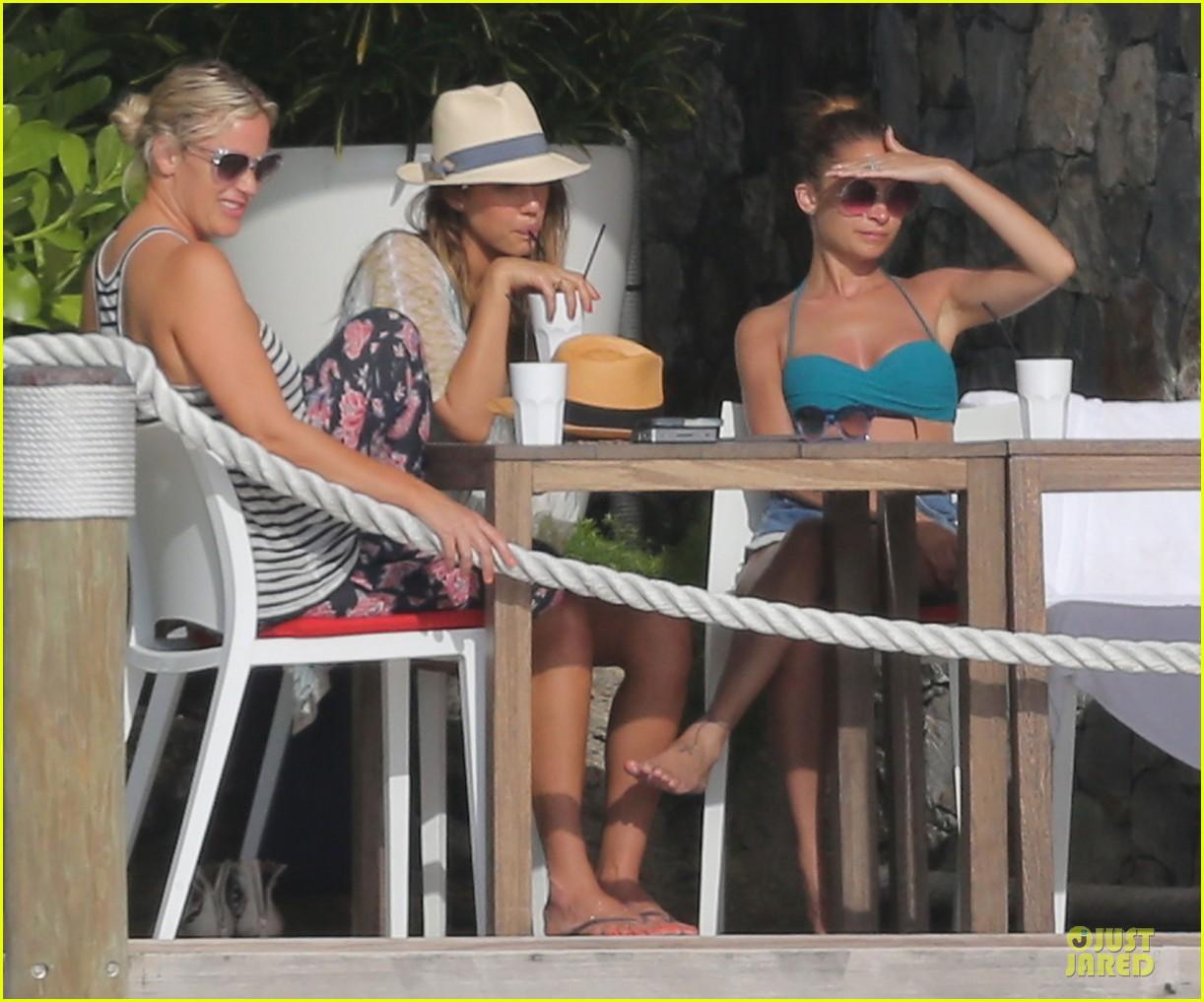 jessica alba nicole richie bikini clad gal pals 24