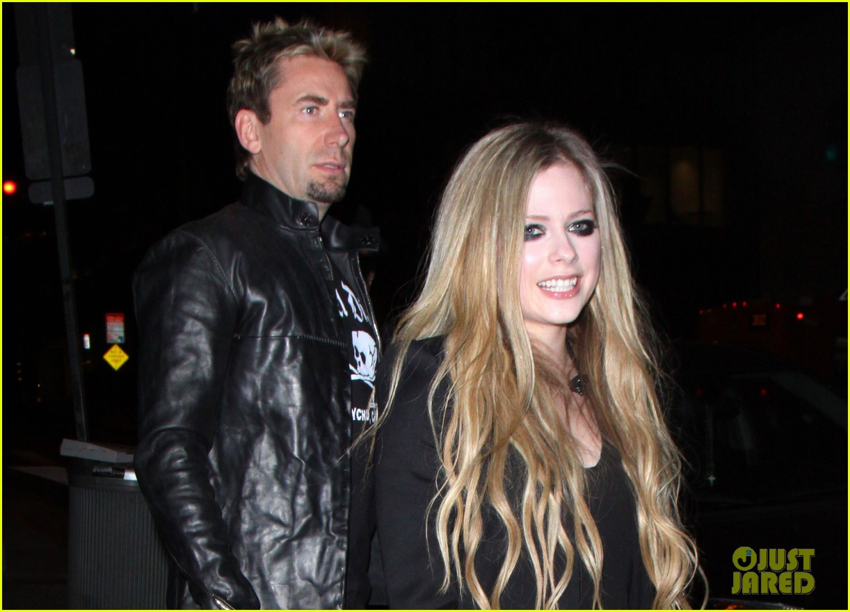 avril lavigne premieres new song 17 at viper room watch now 01