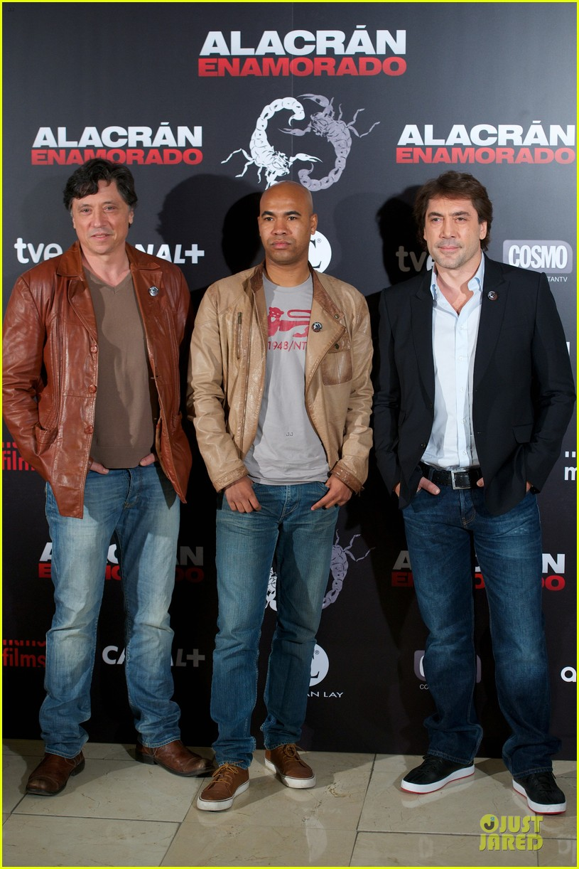 javier bardem alacran enamorado photo call with brother carlos 05
