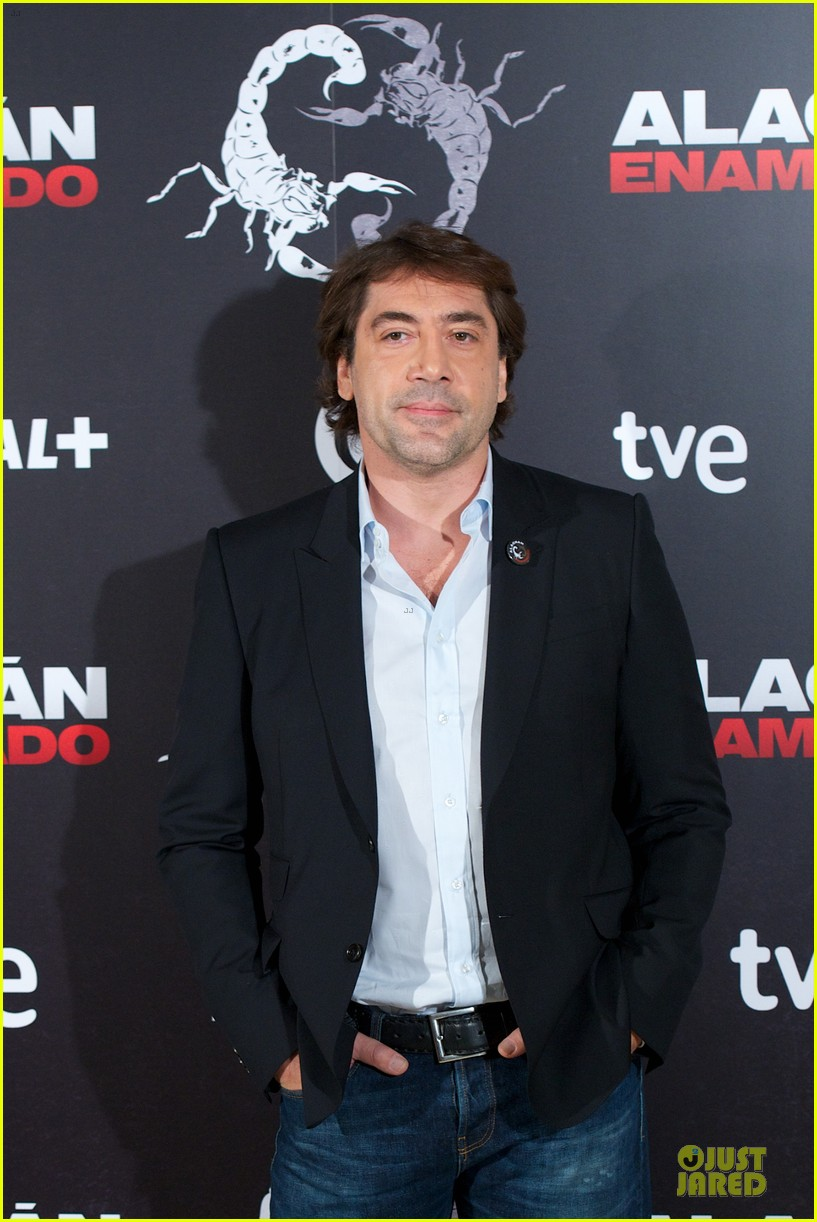 javier bardem alacran enamorado photo call with brother carlos 19