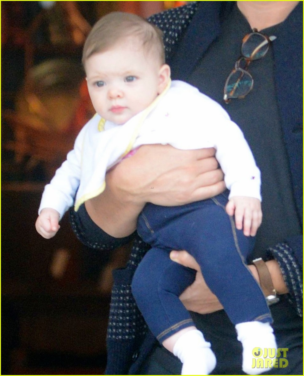 drew barrymore will kopelman antique shopping with baby olive 03