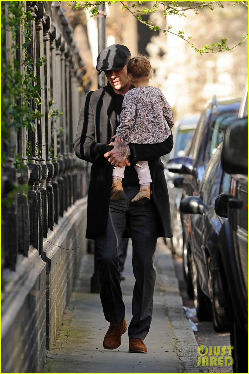 victoria david beckham day out with harper 012857196