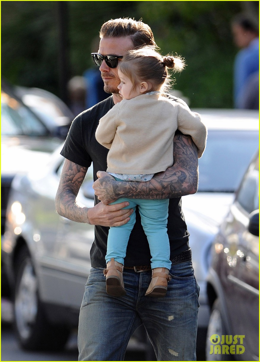 david beckham holds harper close 02
