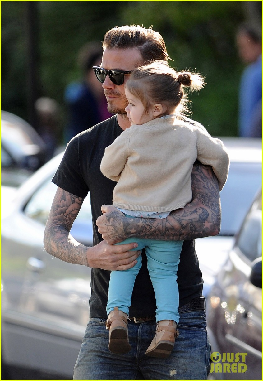 david beckham holds harper close 06