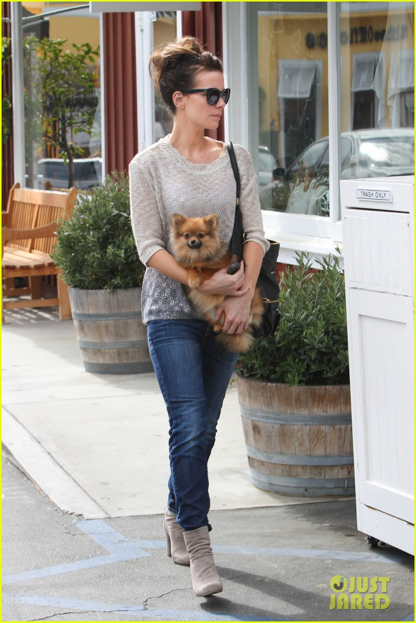 kate beckinsale brentwood country mart beauty 05