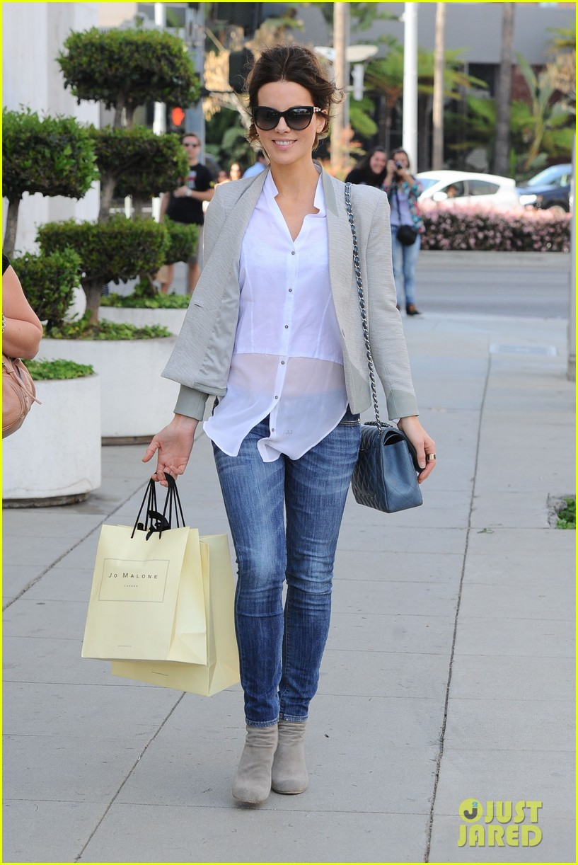kate beckinsale jo malone london shopper 01