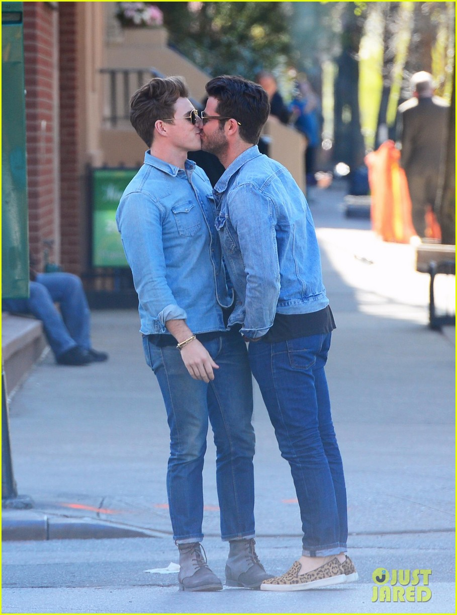nate berkus jeremiah brent kiss kiss in new york 022852322
