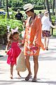 halle berry maui easter egg hunt with nahla 06
