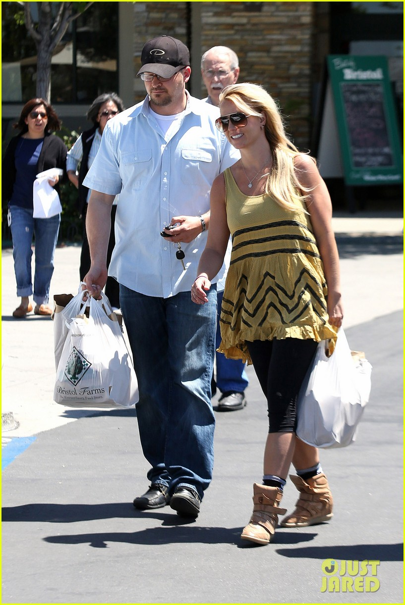 Katie Noble Weinstein >> Britney Spears: Barnes & Noble Babe!: Photo 2853666 | Britney Spears Pictures | Just Jared