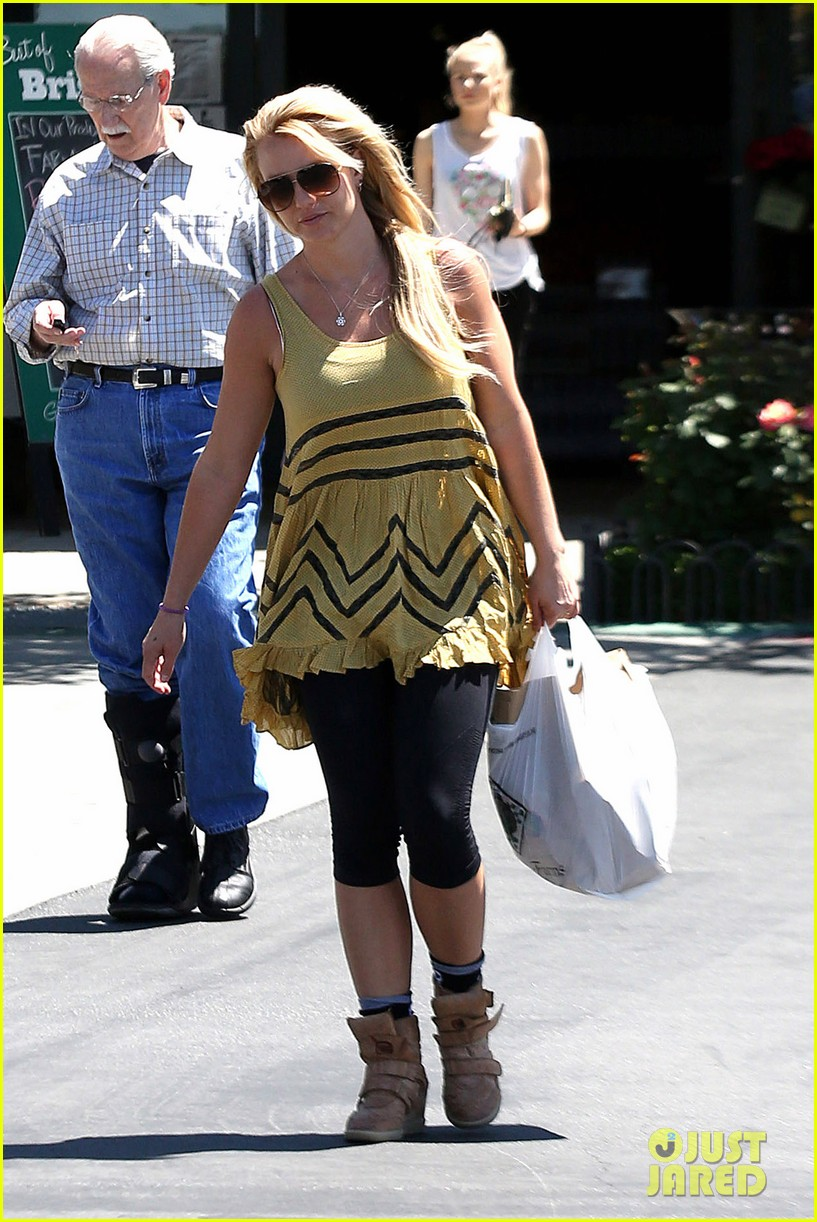britney spears barnes noble babe 16