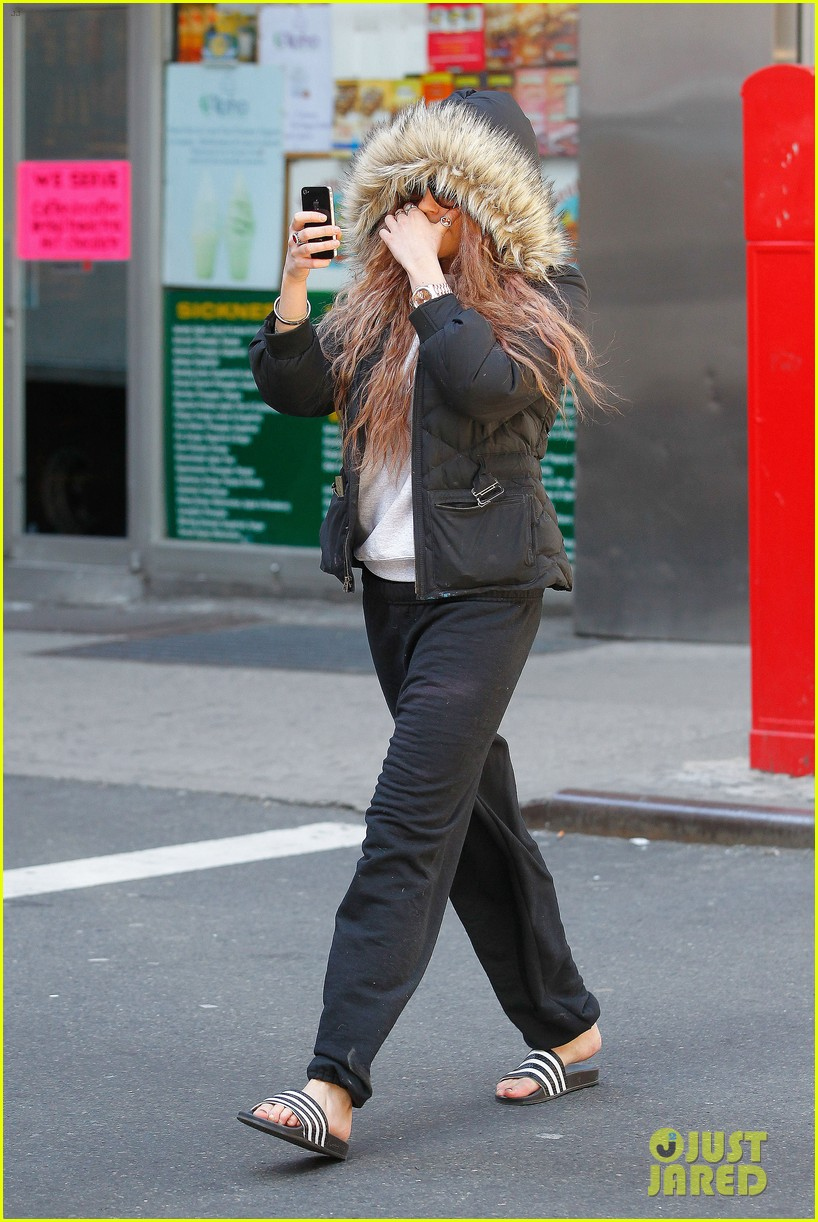 amanda bynes birthday smiles in new york city 06