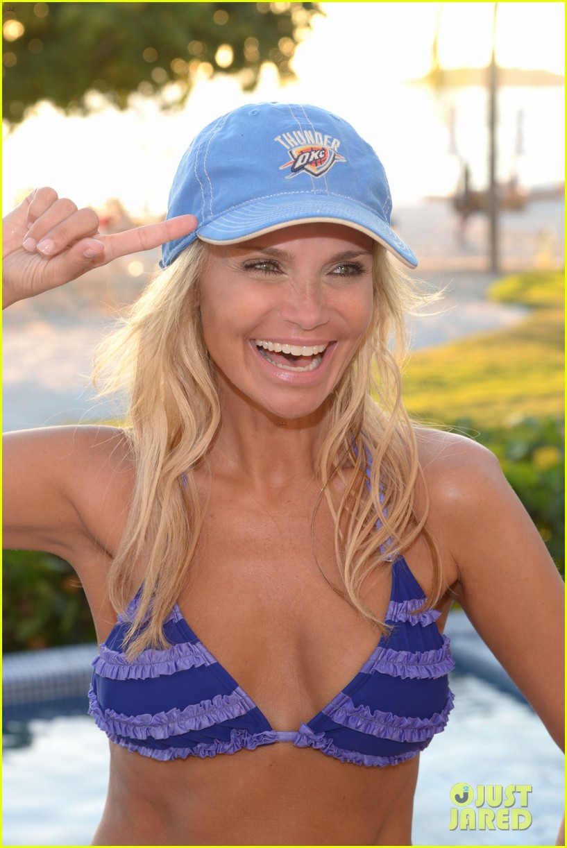 kristin chenoweth: bikini babe in punta mita!: photo 2851438