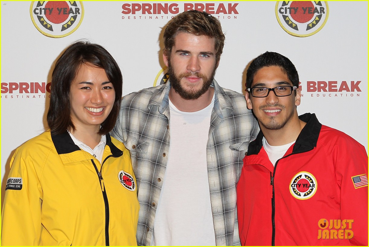 chris liam hemsworth city year los angeles fundraiser 2013 03